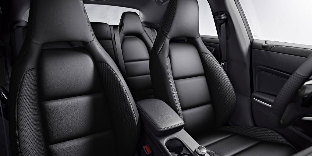 ภายใน Mercedes-Benz CLA 180 Urban เมอร์เซเดส-เบนซ์ ซีแอลเอ 180 เออเบิล