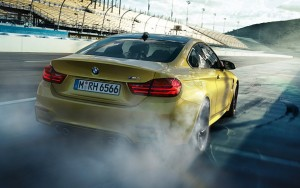 f82BMW M4 Coupe