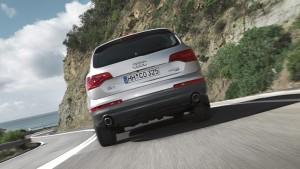 Audi Q7-ด้านท้าย