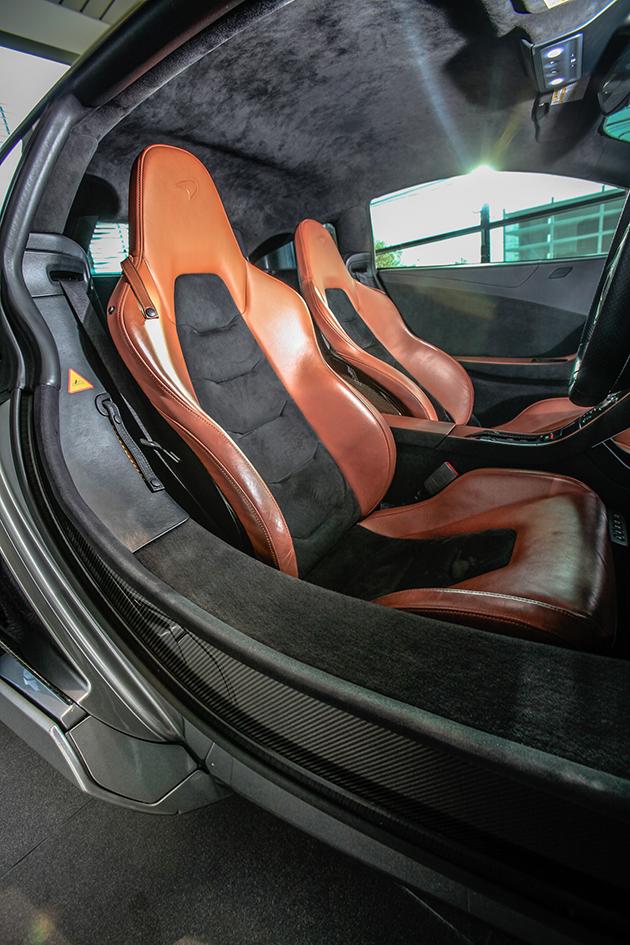 McLaren MP4-12C-เบาะนั่ง