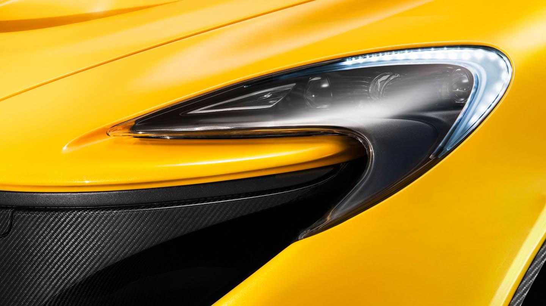 McLaren P1 -ไฟ